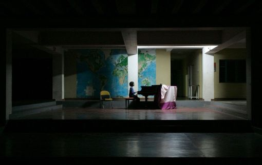 © Amiran White cortesía de los premios Sony World Photography 2009. Primer premio en fotografía comercial/música.