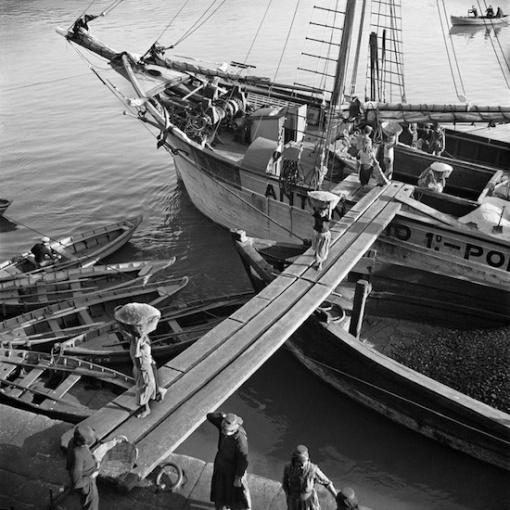 Nicolás Muller. Descargando sal. Oporto, Portugal,1939